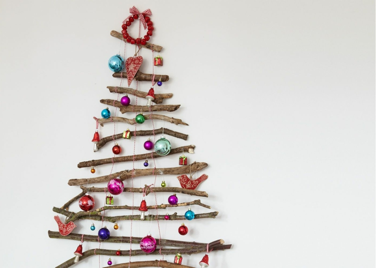 Albero di Natale stilizzato, albero con rami, palline per albero di Natale