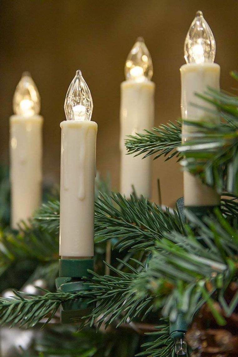 Lampadine a forma di candela, alberi di Natale originali, rametti albero verde