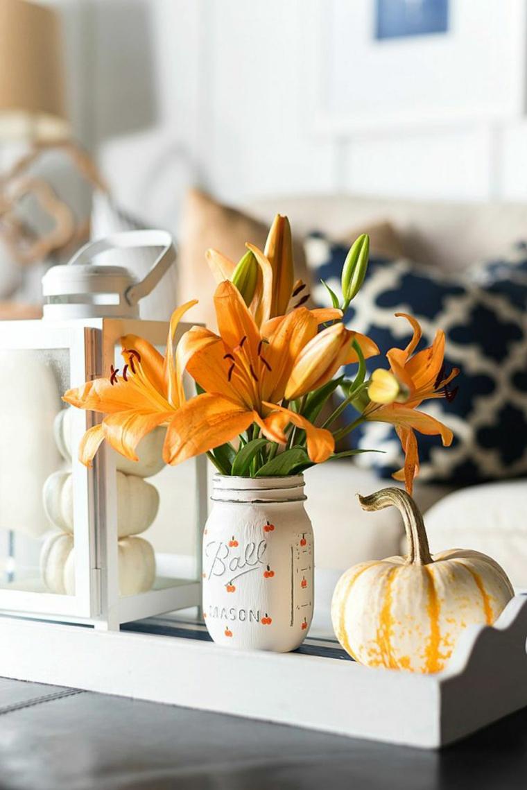Addobbi Halloween fai da te, barattolo dipinto di bianco, vaso con fiori