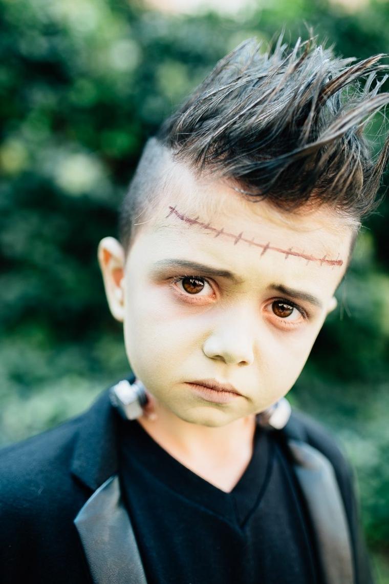 Bimbo truccato come Frankenstein, trucco bimbo per Halloween, capelli bimbo fissati con gel