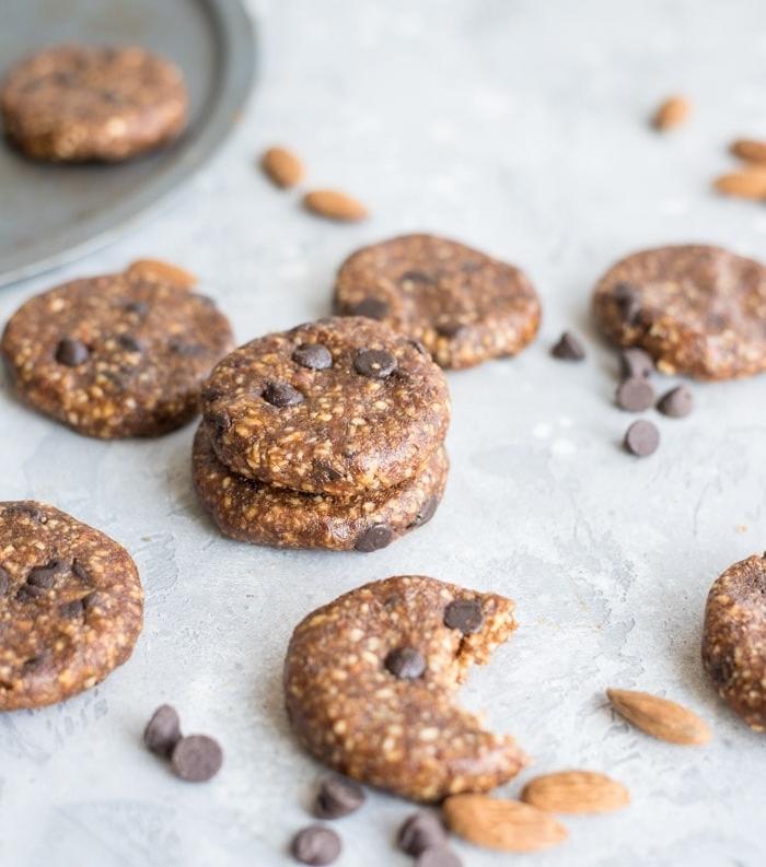 Biscotto con gocce di cioccolato, ricetta biscotti classici, cookies all'avena
