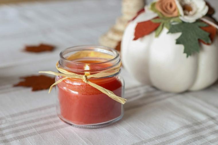 Candela fai da te, lavoretti autunno, portacandela di vetro, candela di colore rosso