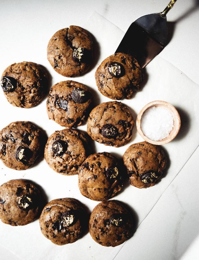 Ricetta biscotti classici, cookies alla cioccolata, biscotti con frutta secca, biscotti con cioccolata
