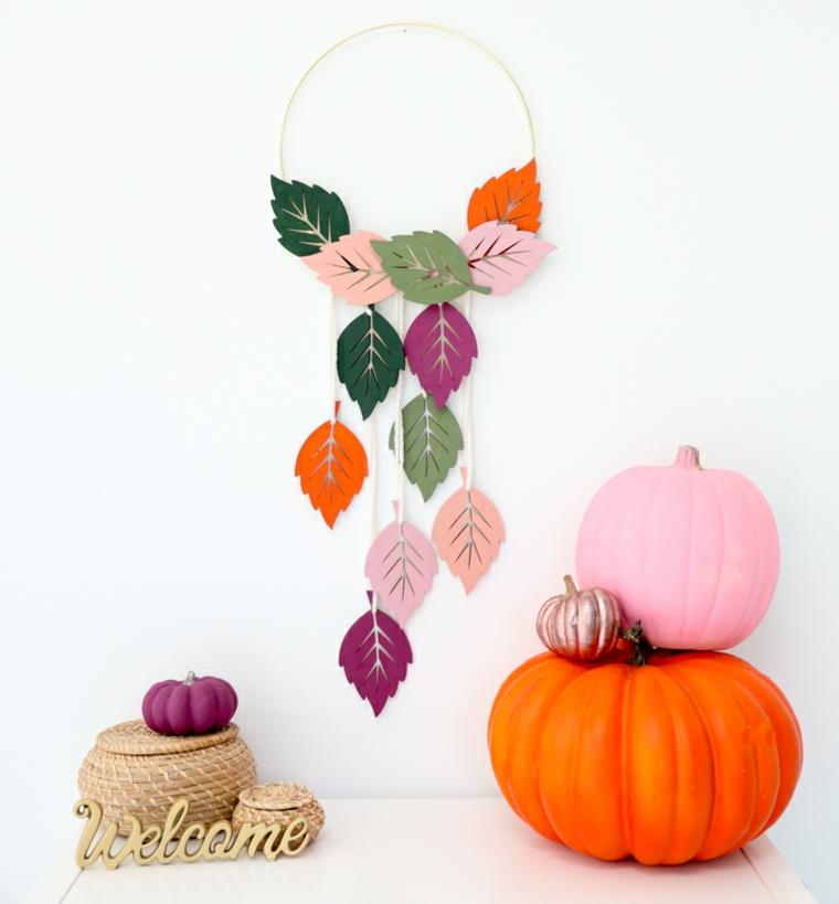 Zucche finte colorate, addobbi da parete, anello e foglie autunnali, lavoretti autunno