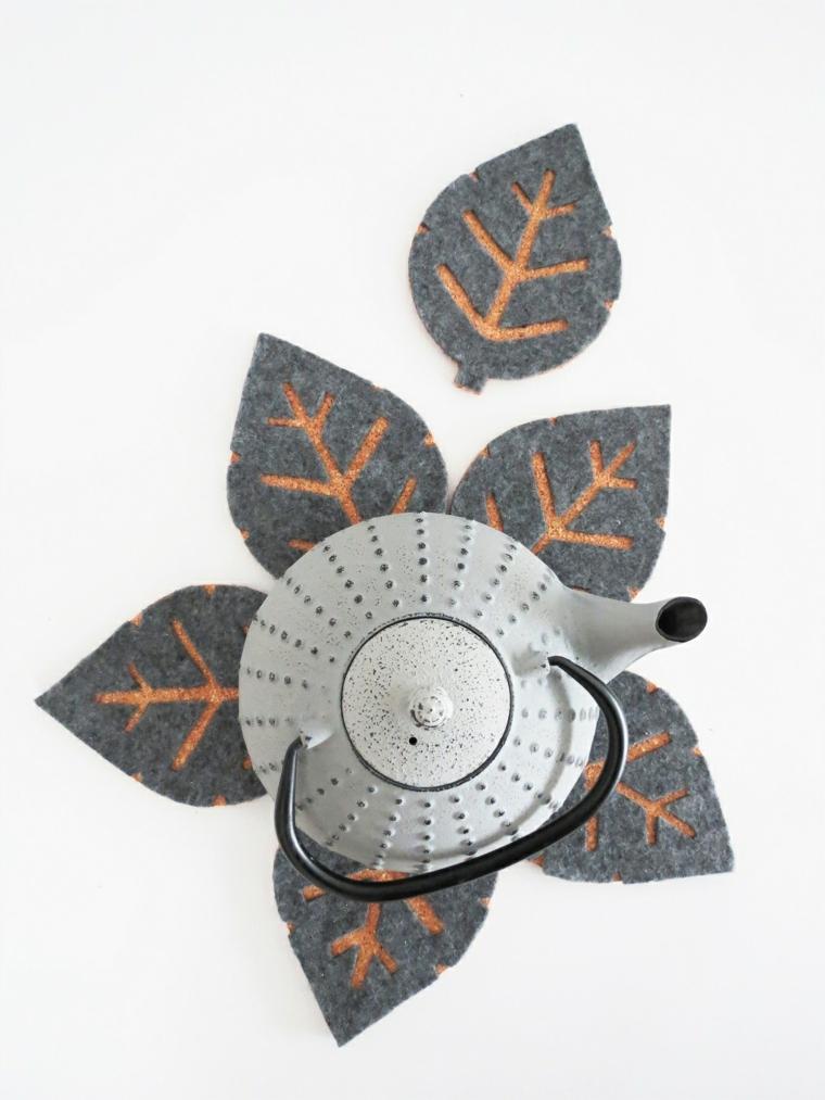 Addobbi autunnali, sottobicchieri di feltro, sottobicchiere forma foglia, teiera di metallo