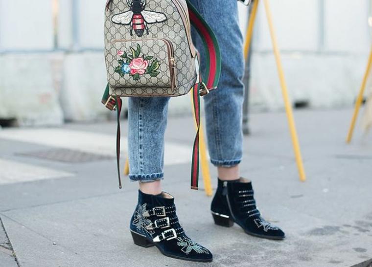 Zaino Gucci con ricami, stivaletti con fibbie, colori moda inverno 2019