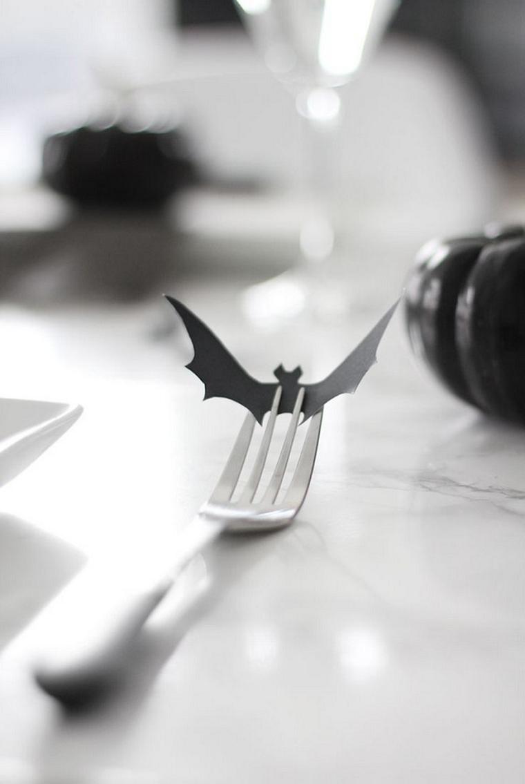 Forchetta con segnaposto, tavolo decorato per Halloween, pipistrello di carta