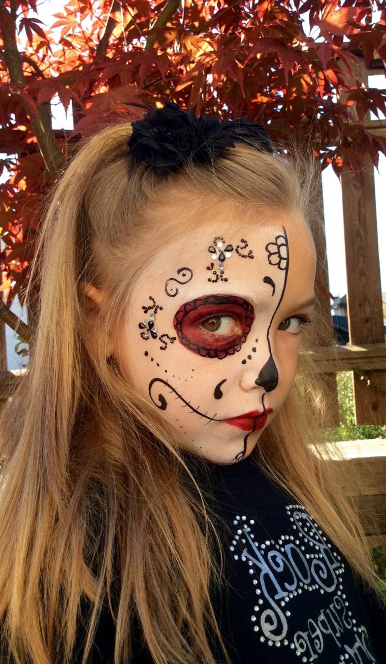 Make up da sugar skull, bimba truccata, trucco semplice Halloween, trucco con rossetto