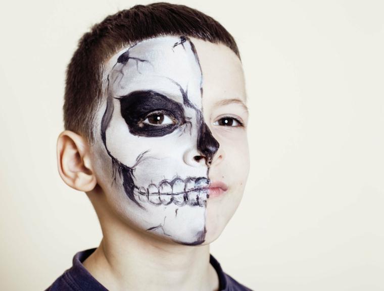 Trucchi per Halloween facili, trucco per bimbo, make up scheletro metà viso