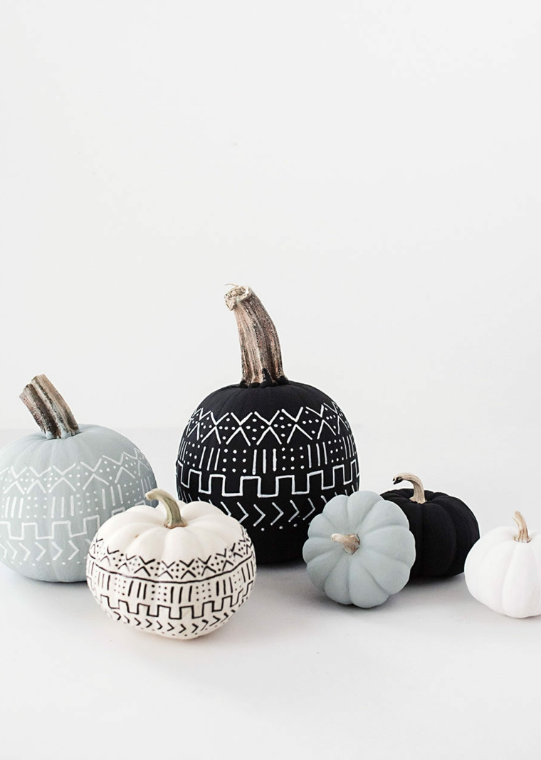 Zucche dipinte per Halloween, disegni figure geometriche, zucche finte verniciate
