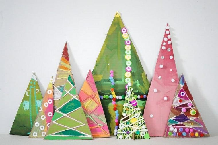 Pezzi di legno forma triangolo, mini alberi dipinti, idea regalo per la mamma