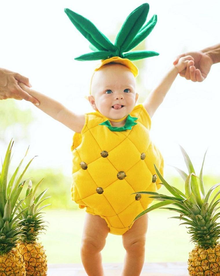 Vestiti carnevale neonato, bimbo travestito da un ananas, cappellino con foglie