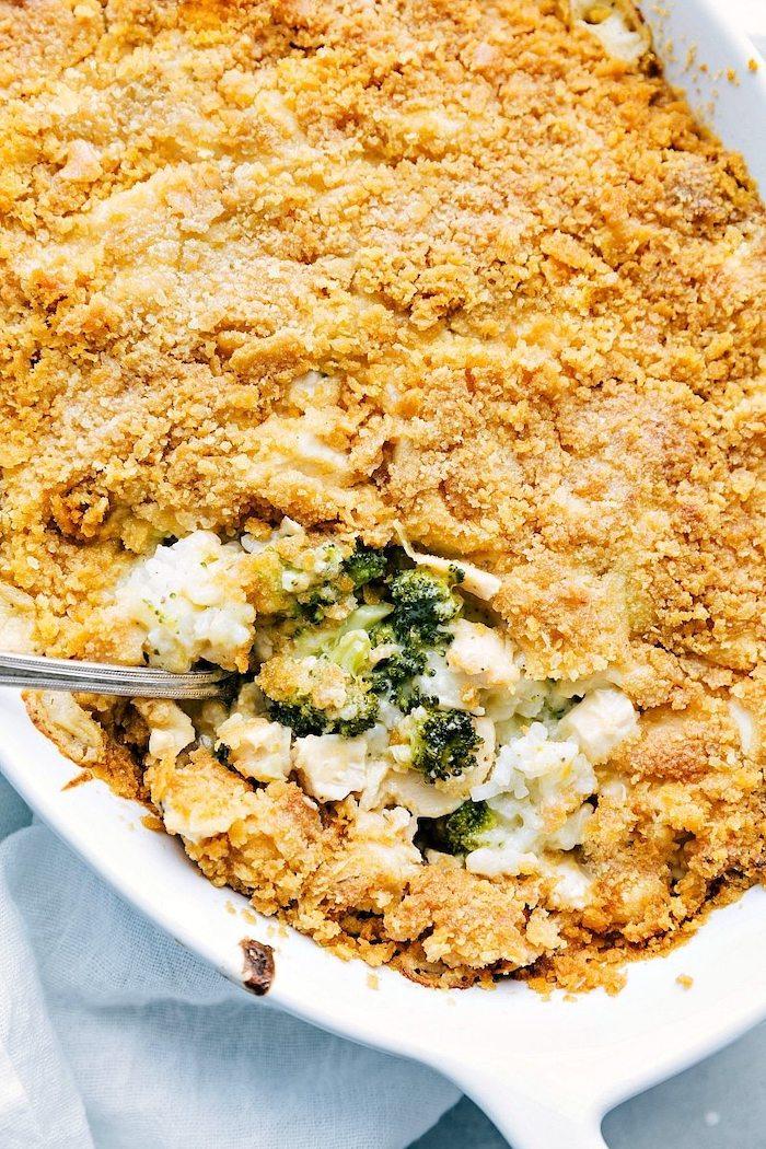 Gratinato di pollo e verdure, broccolo con formaggio, cena sfiziosa e veloce per amici