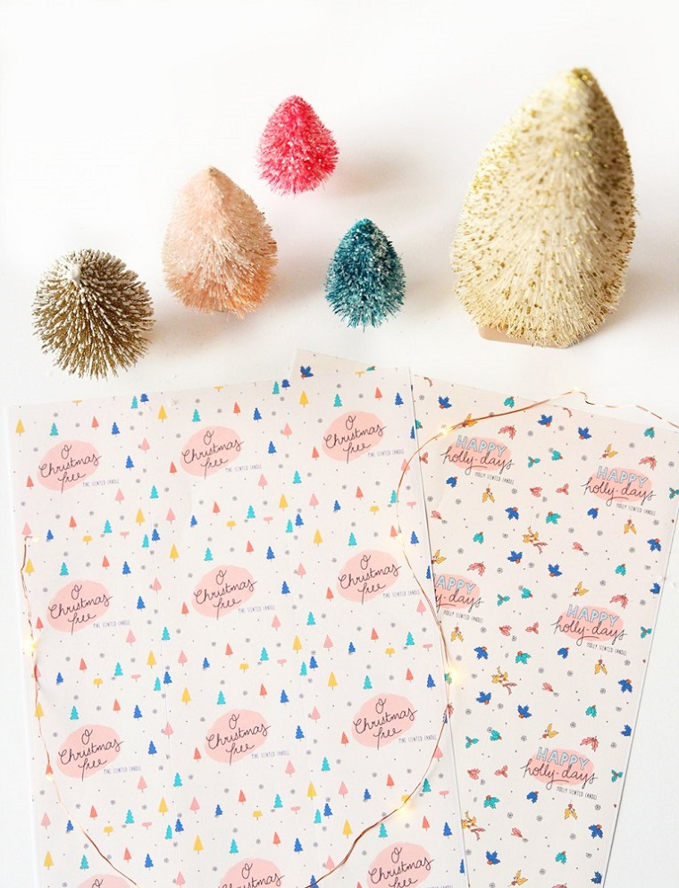 Idee regalo per fidanzata, mini alberi di Natale, foglio colorato per incartare regali