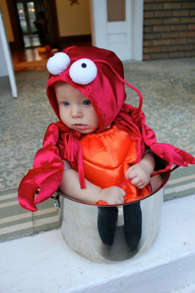 Bimbo con costume di granchio, travestimento per carnevale, costume carnevale neonato
