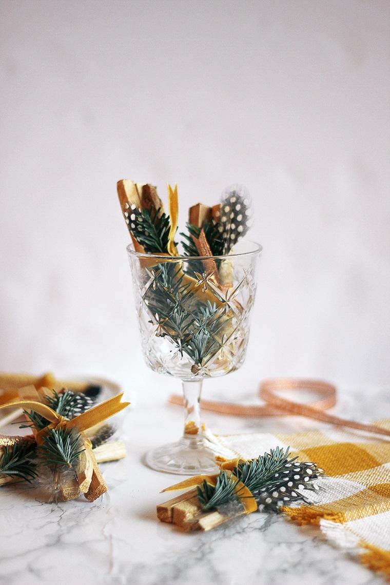Calice di vetro, incenso di palo santo, decorazione regalo con rametti, idee regalo Natale per lei