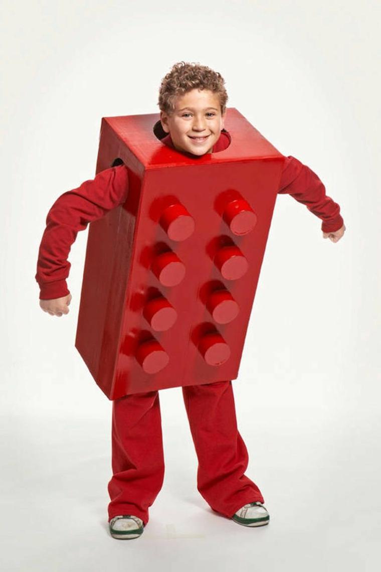 Vestiti carnevale per bambini, bimbo con costume lego, blocchetto costruzione lego