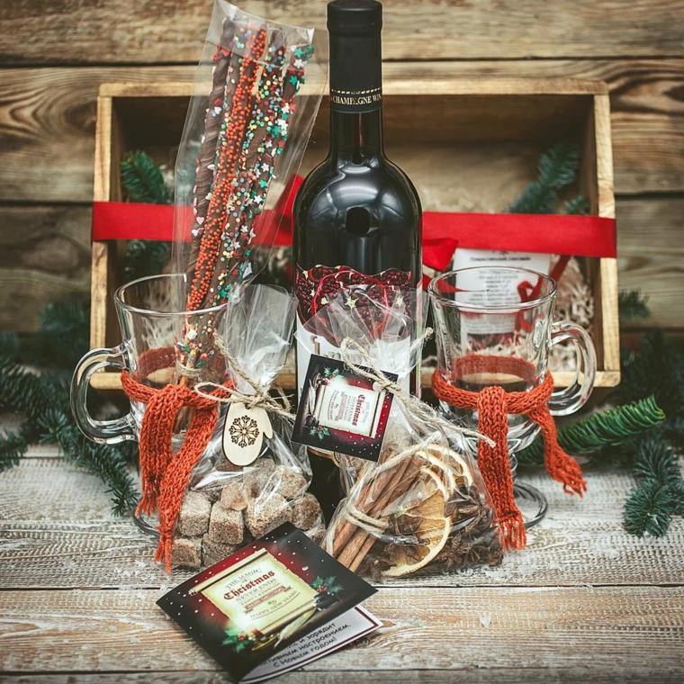Scatola di legno per uomo, bottiglia di vino, sacchettini con dolcetti, regali originali per lui