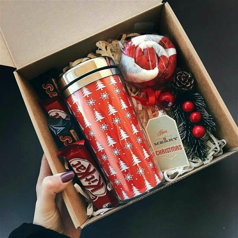 Regali di Natale per lui, scatola regalo con dolcetti, tazza termica per il caffè