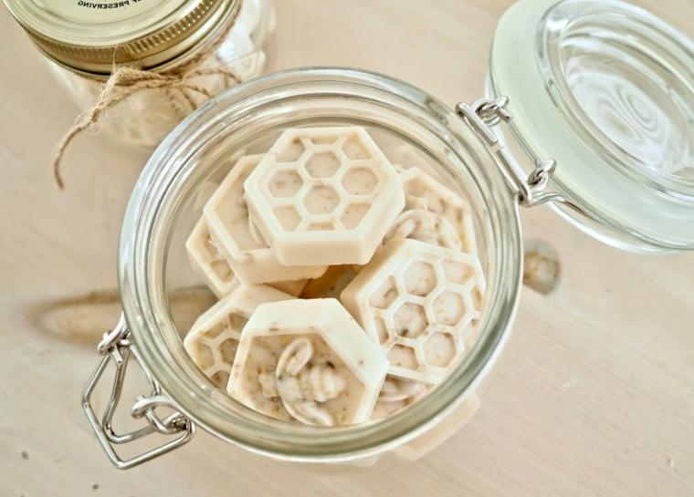 Barattolo di vetro tappo ermetico, saponette forma ape, cosa regalare alla mamma per Natale