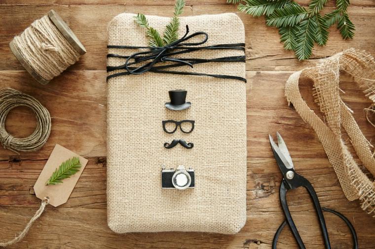 Sacchettino di canapa per il tablet, idee regalo fidanzato, regalo natalizio con rametti