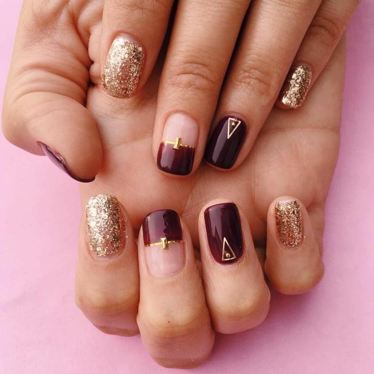 Smalto colore viola, accent nail colore oro glitter, unghie natalizie 2019