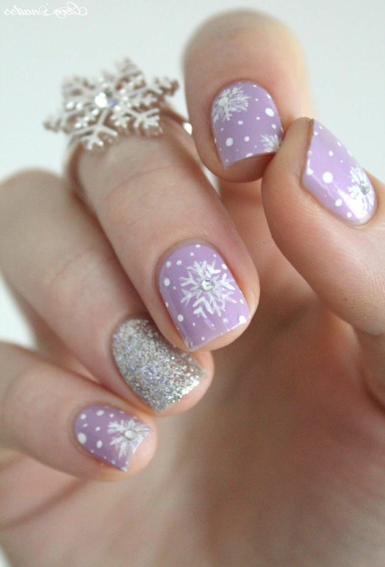 Disegni su smalto gel, smalto colore viola, disegno fiocco di neve, nails natalizie