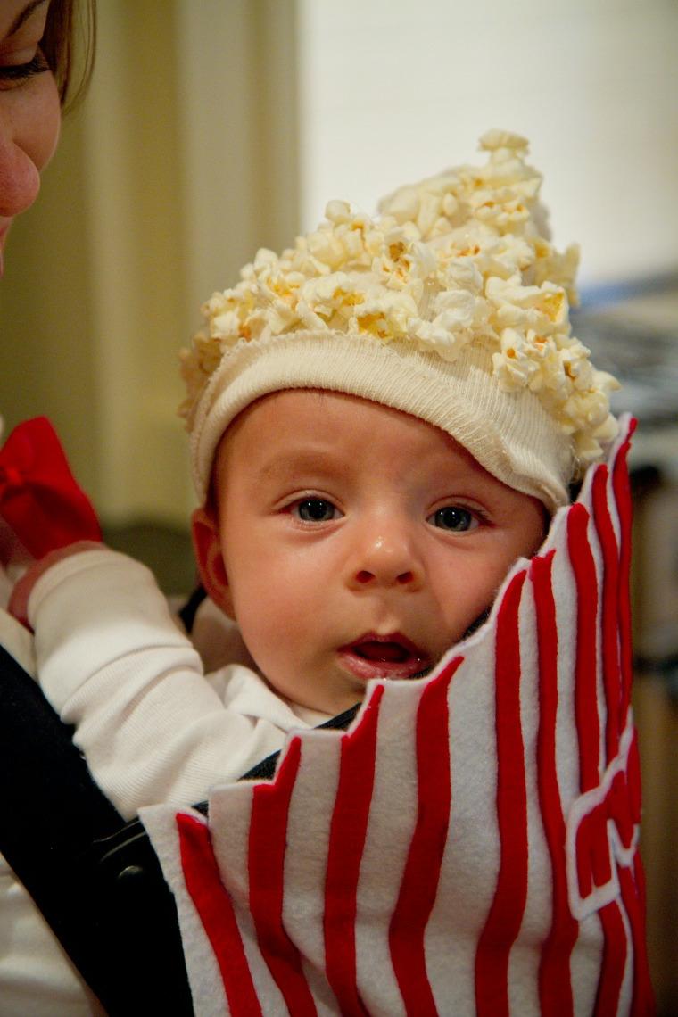 Marsupio per bambini, cappellino con pop corn, costume carnevale improvvisato