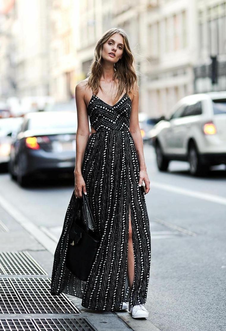 Abiti da sera lunghi, vestito nero con spacco, abito con lustrini, ragazza che cammina