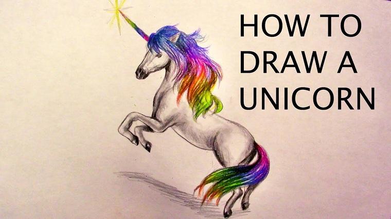 Tutorial per disegnare un unicorno, come si disegna un unicorno, criniera colorata e scritta in inglese