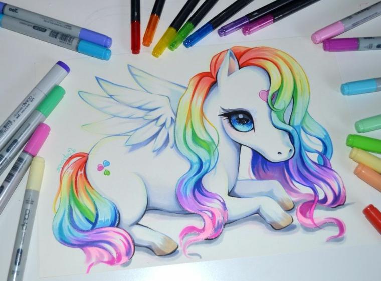 Disegno di un unicorno con i pennarelli, immagini da disegnare facili, pennarelli colorati