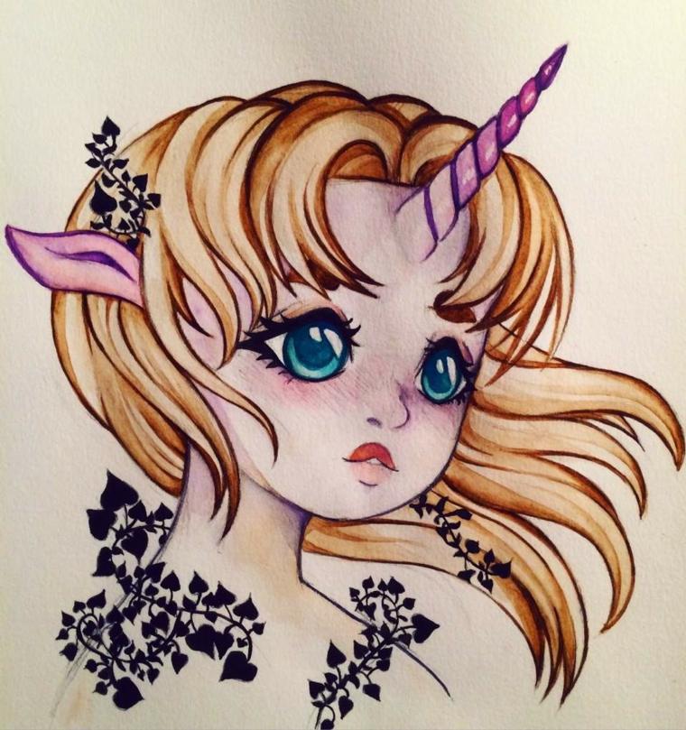 Ragazza elfo unicorno, ornamenti floreali dipinti di nero, unicorno stilizzato