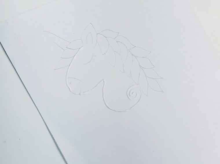 Disegno a matita di un unicorno, striscia di colla vinilica, unicorni da disegnare