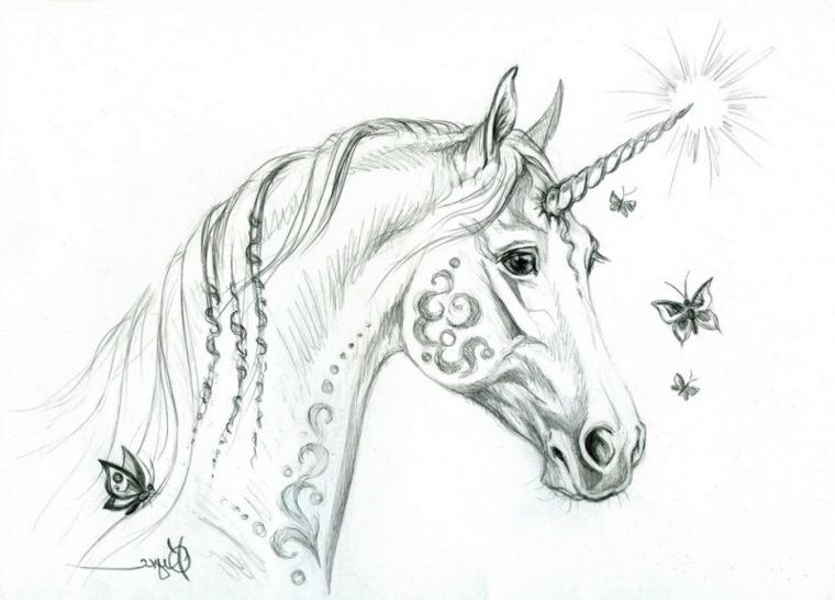 Disegno di un cavallo con corno, disegno pegasus con ornamenti, criniera unicorno con trecce