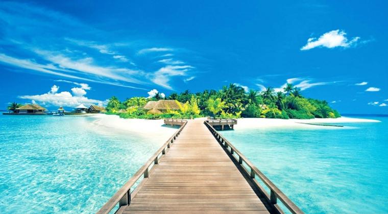 Immagine di un'isola esotica, immagine per lo screen server del pc