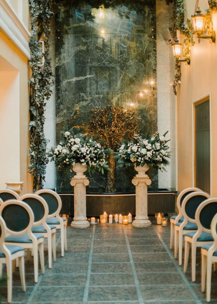 Altare per matrimonio con due colonne, matrimonio fai da te economico