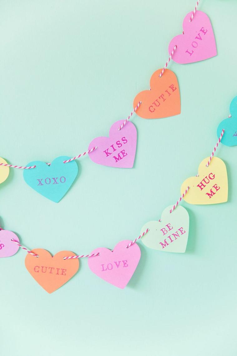 Regali san valentino per lei, ghirlanda di filo con bigliettini con scritta in inglese
