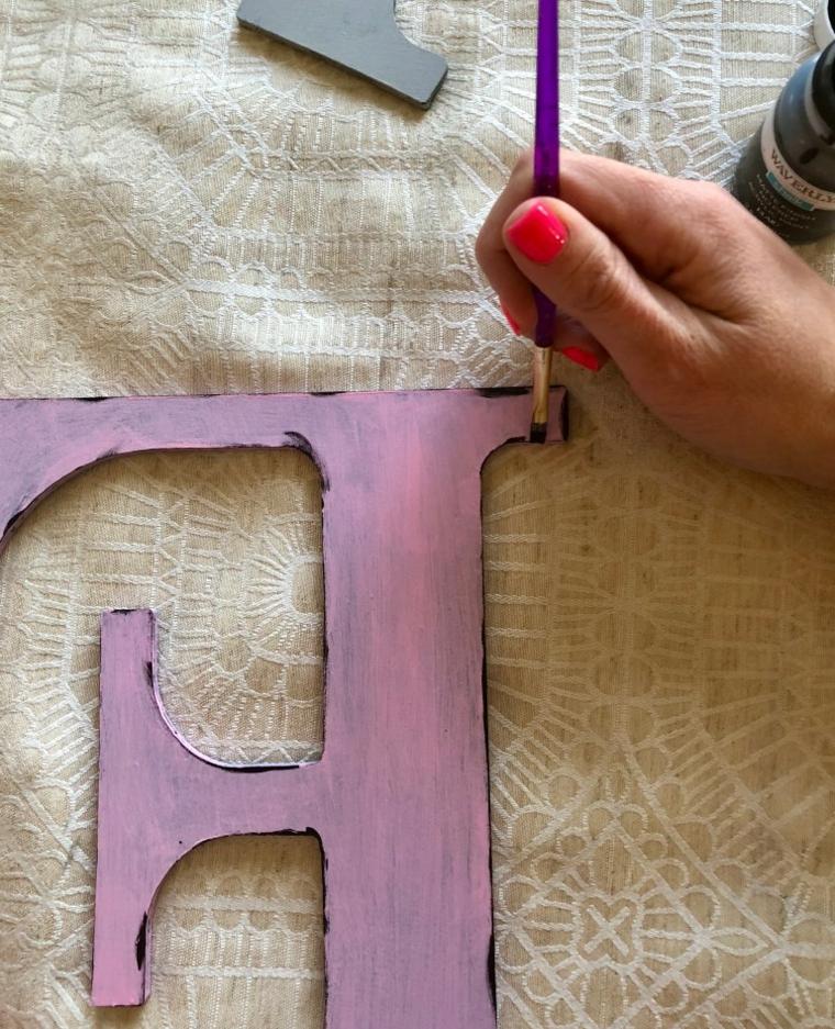 Regali san valentino per lei, lettera di legno dipinta di colore viola e pennello sottile