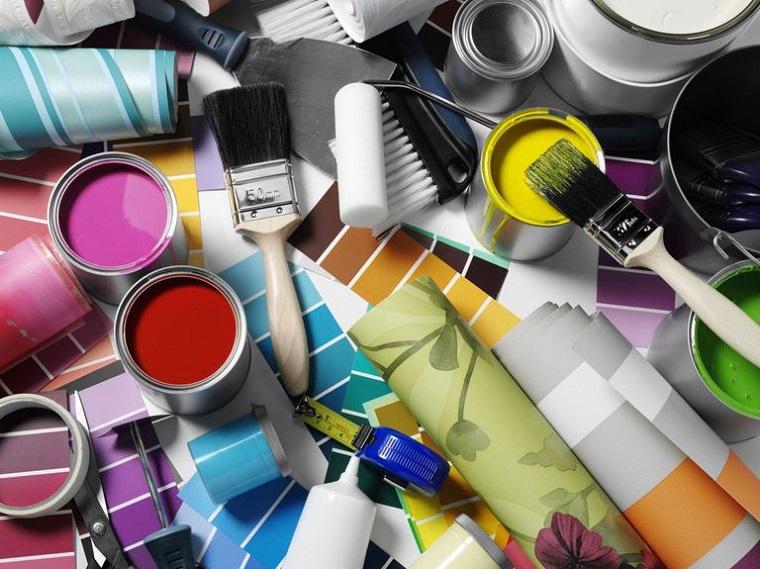 Materiali per praticare Fai da te, barattoli di latta con vernice, pennelli per dipingere