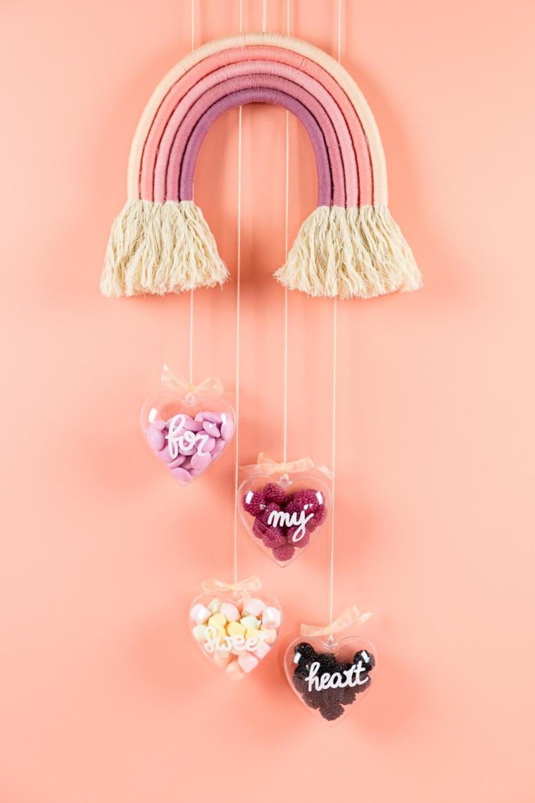 Scatole a forma d cuore con caramelle, decorazione da parete forma arcobaleno colorato di stoffa