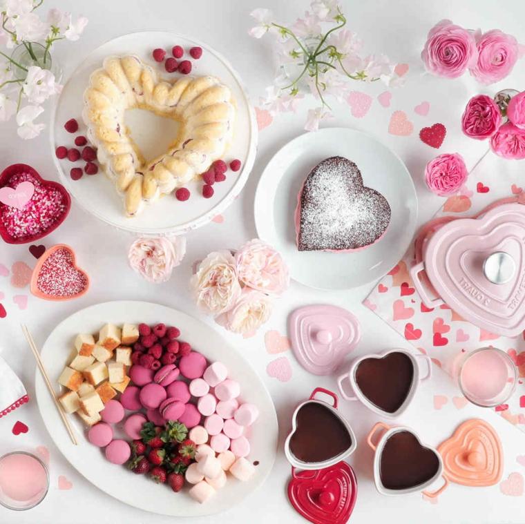 Piatti con dolci a forma di cuore in piatti, regali da fare a san valentino