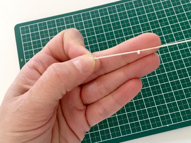 Filo elastico con nodo per braccialetto, tutorial per sorprese san valentino