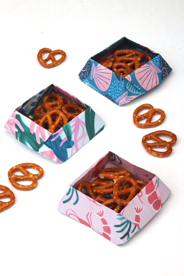 Lavoretti di carta facili, ciotole per gli snack di carta colorata motivi floreali