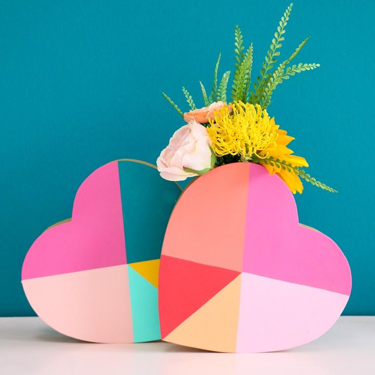 Regali per lui san valentino fai da te, scatola di legno dipinta, vaso con fiori