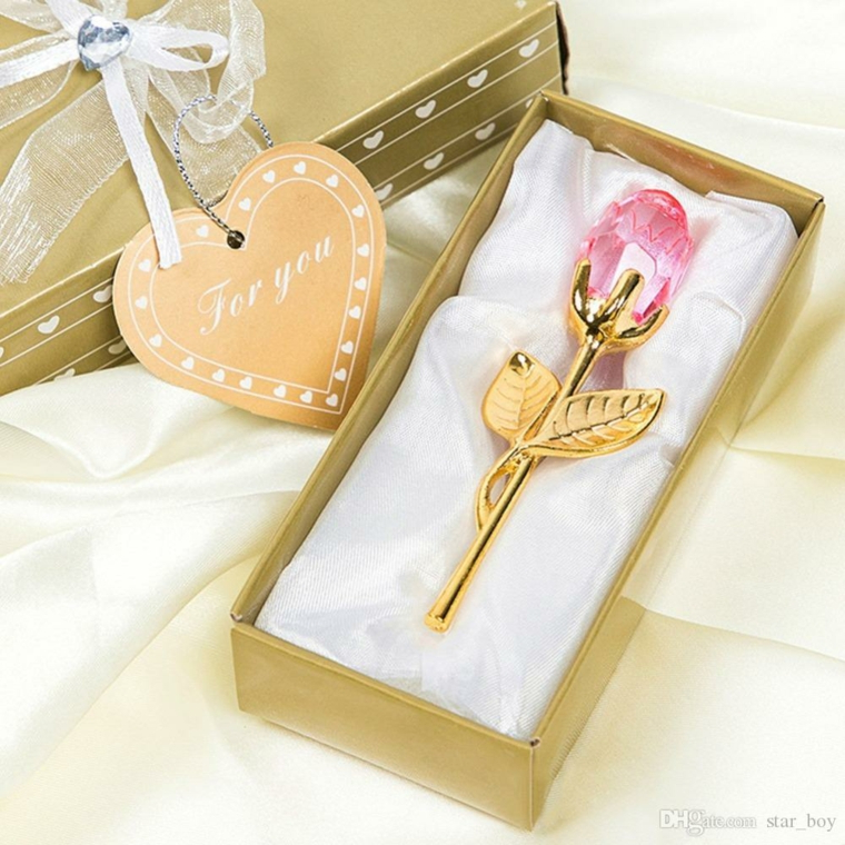 Cosa regalare a san valentino a lei, rosa di cristallo in scatola con bigliettino a forma di cuore