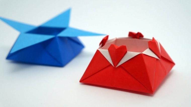 Scatole di carta colorata per origami, fogli di carta origami piegati