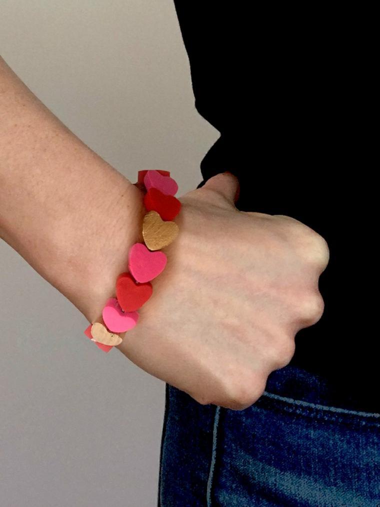 Cosa regalare a san valentino, braccialetto con argilla polimerica colorata