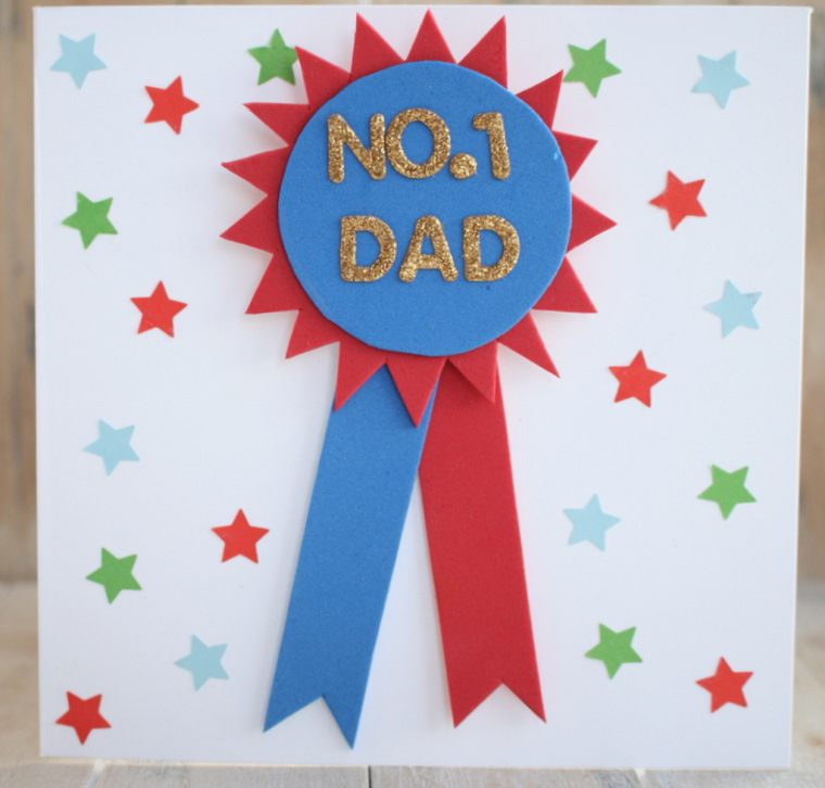 Biglietto festa del papà, cartolina di carta con disegni di stelle e medaglia con scritta glitter