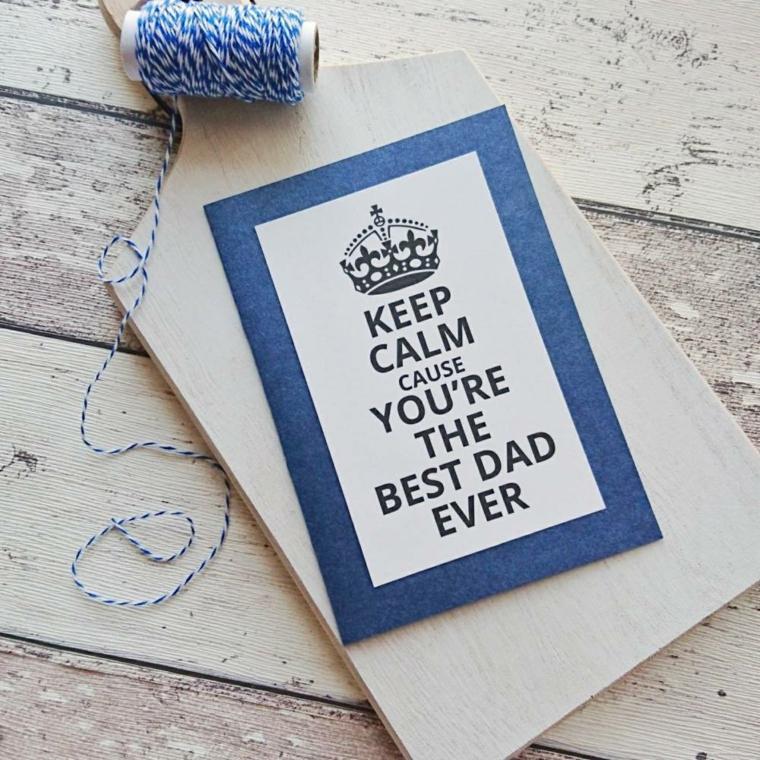 Cartolina per la festa del papà, cartolina con bordo blu e filo di lana