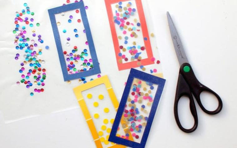 Bustine di plastica con cornice e brillantini colorati, segnalibro personalizzato